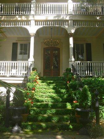 Savannah Historic District : Magnolia Hall