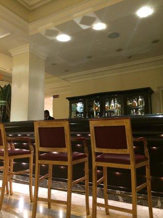 Grand Visconti Palace: Bar Vis a Vis
