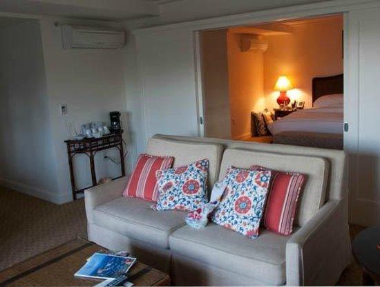 Pavilion Hotel: Living room