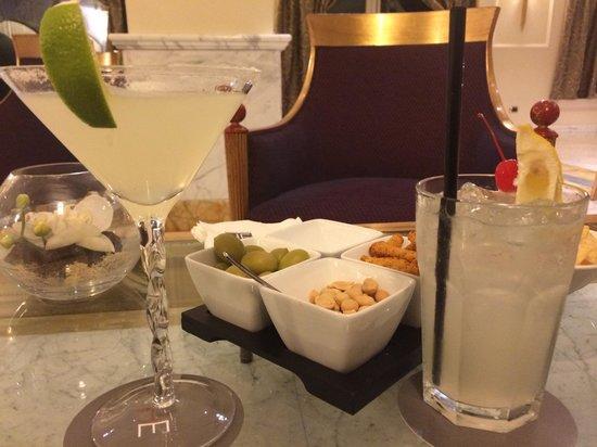 Grand Visconti Palace: Cocktail al bar Vis a Vis