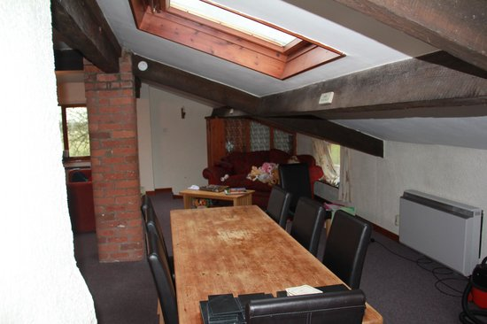 Low Costa Mill Cottages: The dining area with, at the end, the children's play area!