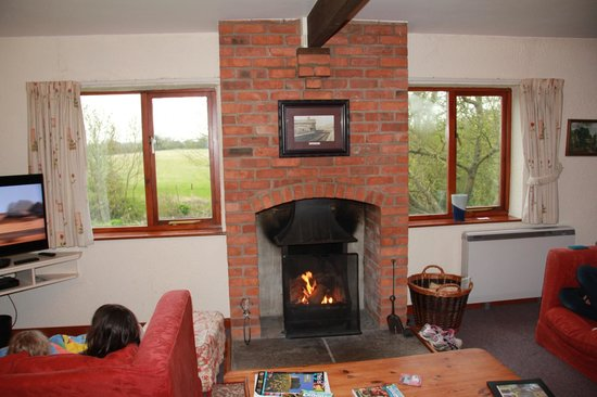 Low Costa Mill Cottages: We loved relaxing in front of an open fire