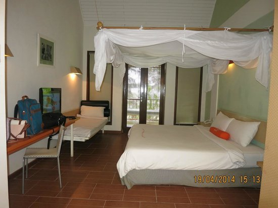 HARRIS Resort Batam Waterfront : Cabana room