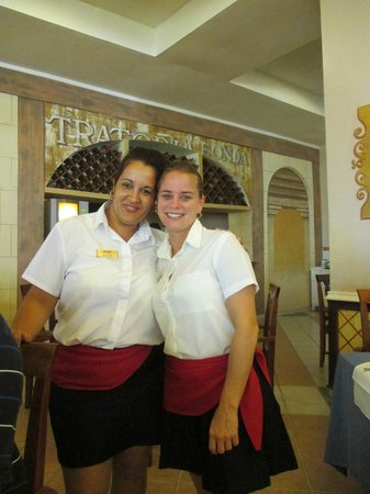 Melia Cayo Guillermo : In the morning breakfast is no problem with them at service