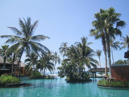 Mai Samui Resort & Spa : Pool system