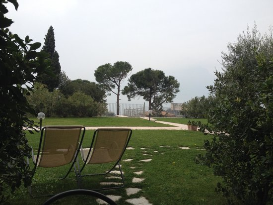 Residence Ca del Lago: The view from our little garden