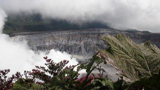 Poas Volcano: poas vulkaan