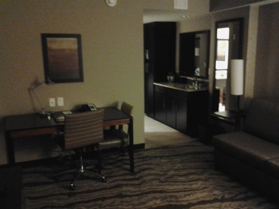 Embassy Suites by Hilton Chattanooga/Hamilton Place: desk