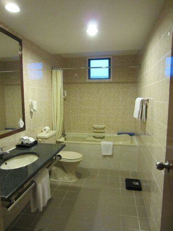 Somerset Ho Chi Minh City: One of 3 bathrooms