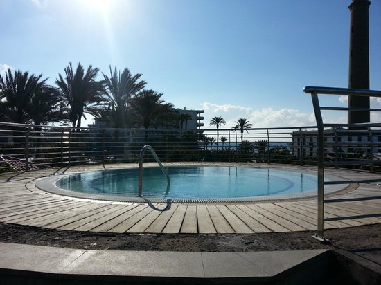 Lopesan Costa Meloneras Resort, Spa & Casino: Lovely Jacuzzi