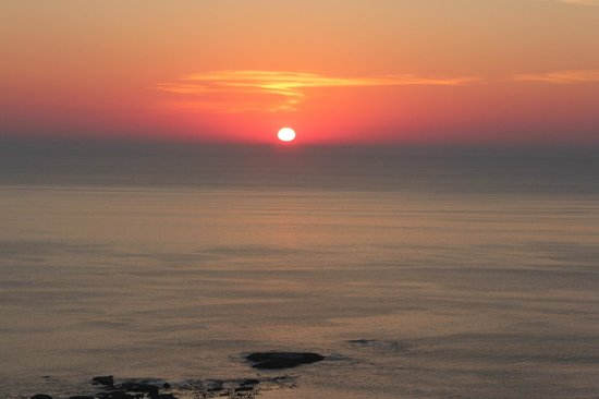 Atlantic Suites Camps Bay: Sunset from balcony