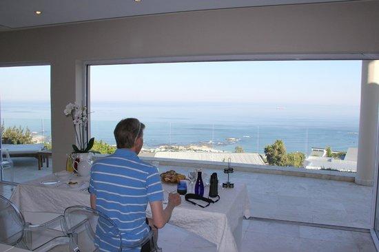 Atlantic Suites Camps Bay : Breakfast