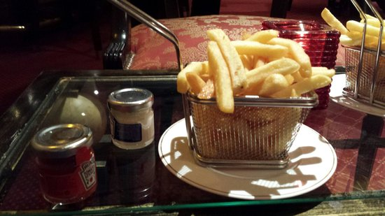 Sofitel Luxembourg Europe: Excellent presentation of just chips