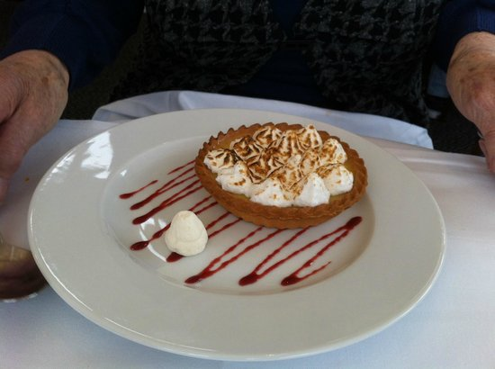 Rastella Restaurant: Lemon meringue tart.