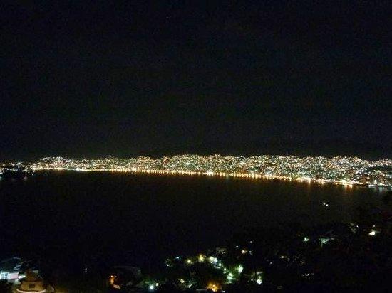 Las Brisas Acapulco: Acapulco by night