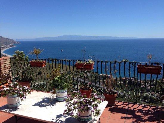 Inserisci didascalia foto di b b la terrazza sul mare taormina tripadvisor - La finestra sul mare taormina ...