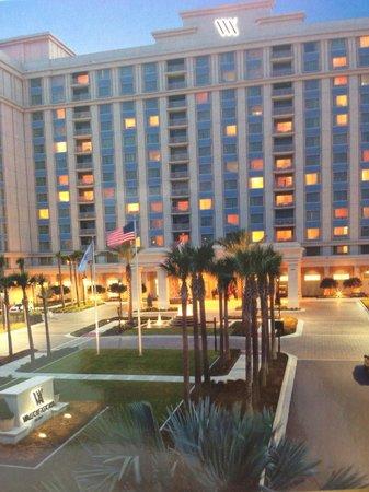 Waldorf Astoria Orlando: Front of hotel