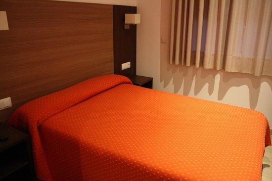 Hotel Restaurant Victoria: Habitación doble