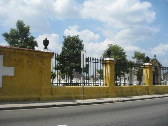 History Trip Havana Tour : christopher columbus cemetary