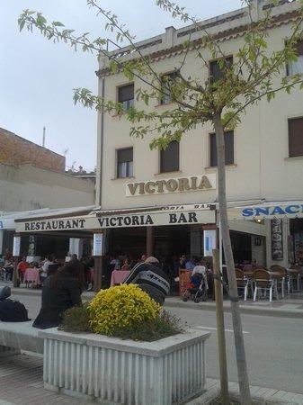 Hotel Restaurant Victoria: Fachada del hotel