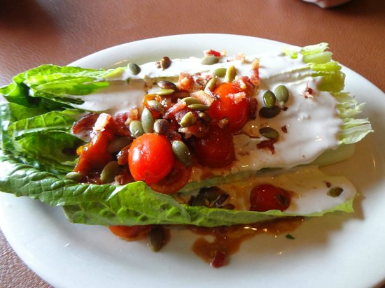 Navajo Grill: Wedge salad