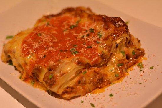 Fatty's Fresh Cafe: Mama's lasagna