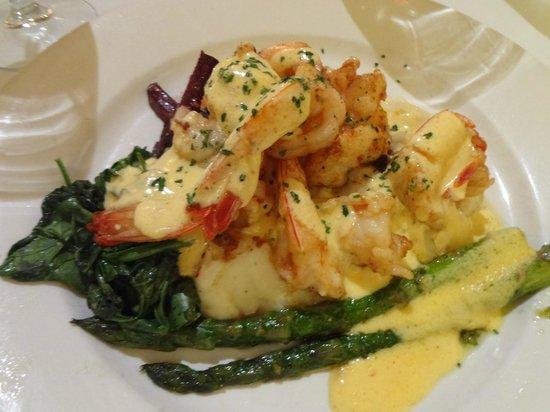 Nest Restaurant: Sauteed Shrimp with a Citrus Garlic Sauce
