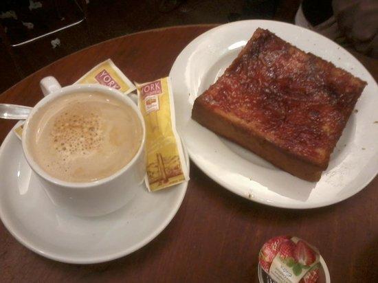 Mantequerías York : tostada riquisima y cafe