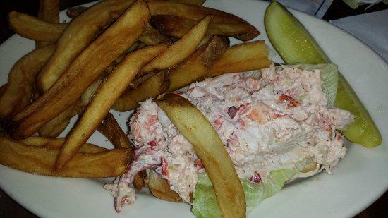 Brick Alley Pub : Lobster Roll