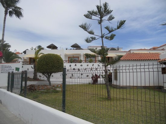Club El Beril Tenerife: Looking to the apartment