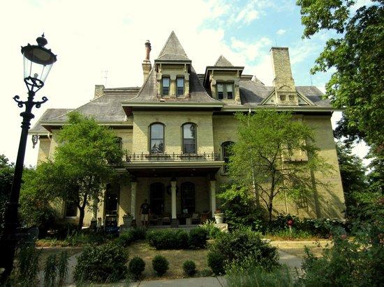 Inn at Pine Terrace: Built in 1879