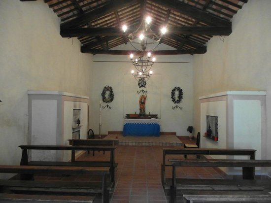 Casale Tancia: Inside the little church across the way...
