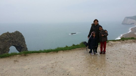 Lulworth Cove and Durdle Door : Cloudy day still great day out