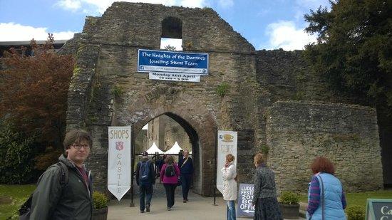 Ludlow Castle: Castle entrance