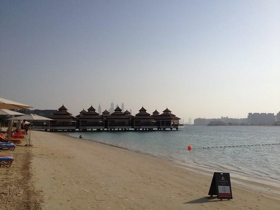 Anantara The Palm Dubai Resort: expensive water villas~