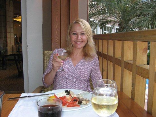 Amara Wing Resort Kemer: Main Restaurant, outside table