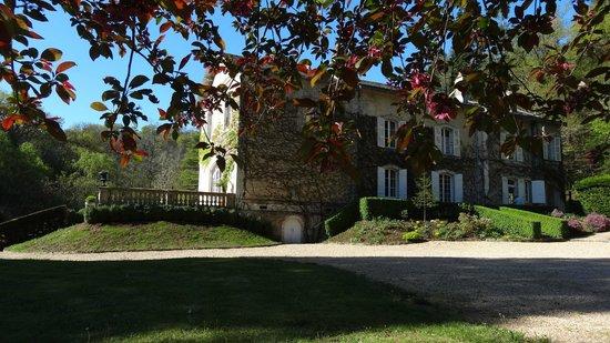 Domaine De La Brugere: La demeure vue du parc