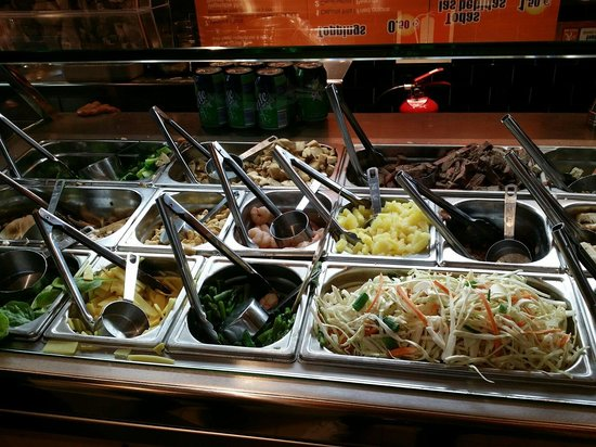 Wok to Walk: Choose your toppings :)