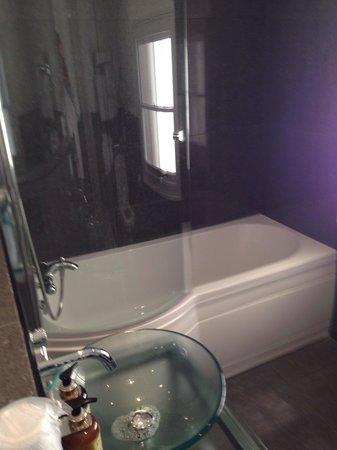 Nice Big Bath Bathroom Room 2 Picture Of Best Western Henbury Lodge Hotel Bristol Tripadvisor