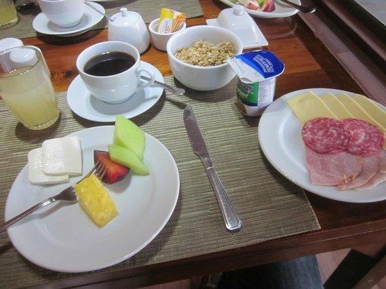 Casa Molino: Breakfast.