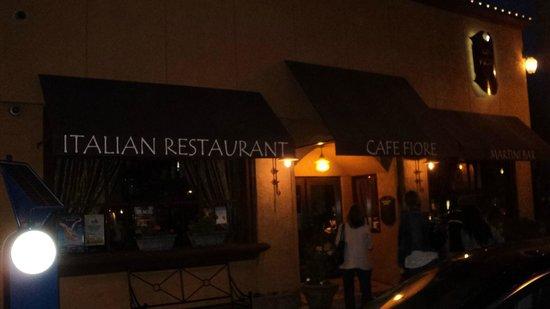 Cafe Fiore Restaurant: Entrada