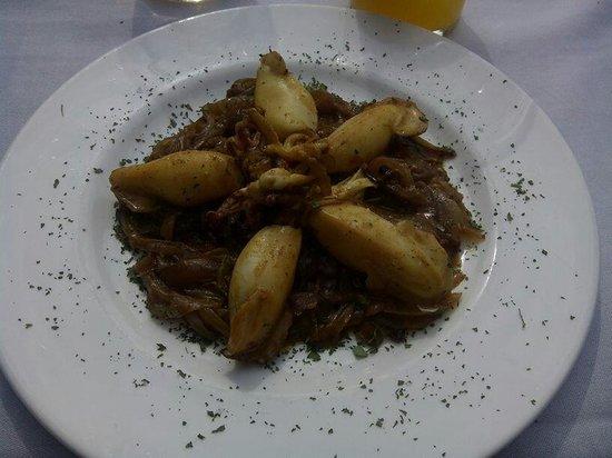 Meson Restaurante La Mi Venta : Chipirones con cebolla