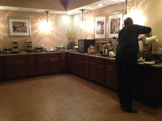 Best Western Plus French Quarter Landmark Hotel: Breakfast