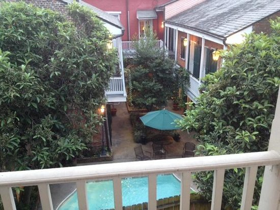 Best Western Plus French Quarter Landmark Hotel: View from room at back of hotel
