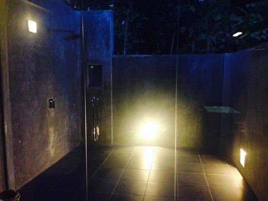Wild Grass Nature Resort: Outside Shower at Wild Grass