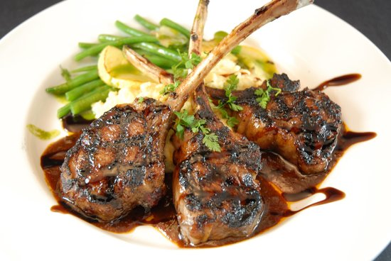 Thorne, UK: Lamb Chops