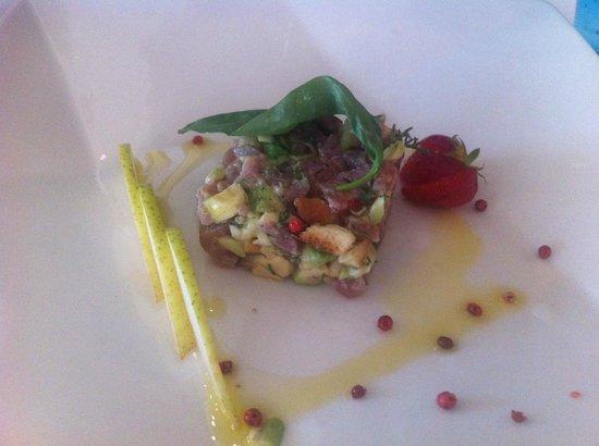 Hotel Suisse Restaurant : Yummie tuna tartarre