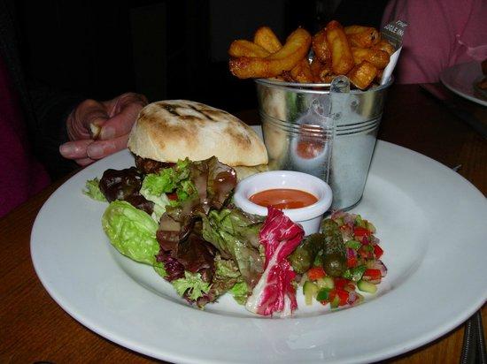 The Bugle Inn: Laverstock Farm beefburger