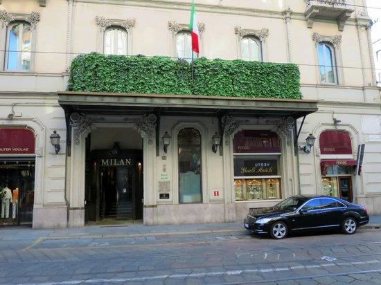 Grand Hotel et de Milan : L'entrée de l'Hôtel