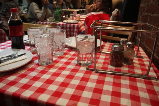 Nice Italian style table setting - Picture of Grimaldi\'s Pizzeria ...